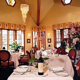 Auberge_des_Gallant_Dining_Room_280_72dpi.jpg